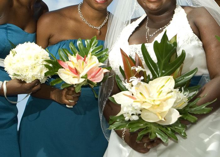 caribbean-wedding-bride-and-brides-maids
