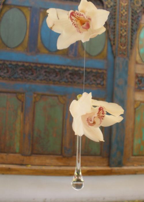 caribbean-wedding-flowers-string