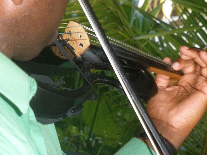 barbados-wedding-violinist