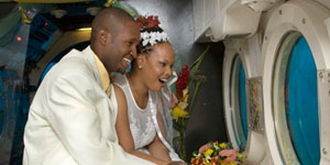 exotic-caribbean-wedding-underwater