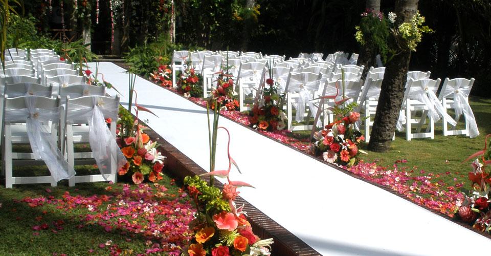 Kian Egan of Westlife married Jodi Albert, actress, model and Wonderland singer in Barbados on May 8th, 2009.